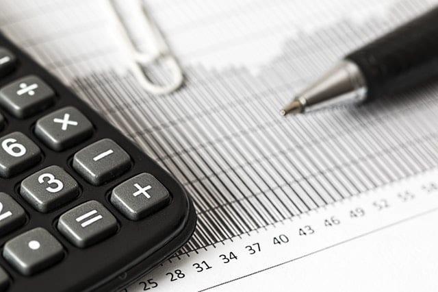 HMRC a mărit rata fixă de TVA (FRS) de la 12% la 16.5% pentru contractori